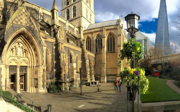 Southwark Cathedral Church Yard